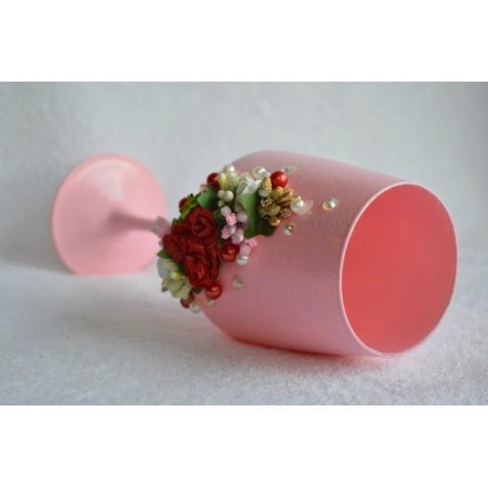 Dekoruota taurė - Rožinė