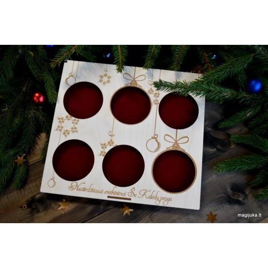 """Dėžutė 6 vnt. Kalėdiniams žaisliukams """"Dovana"""""""