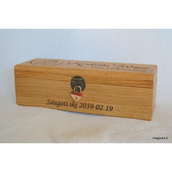 Ąžuolinė vyno dėžė Krikšto tėvams